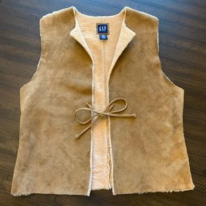 Gap Leather Suede Fur Lined Vest Size Small/Medium